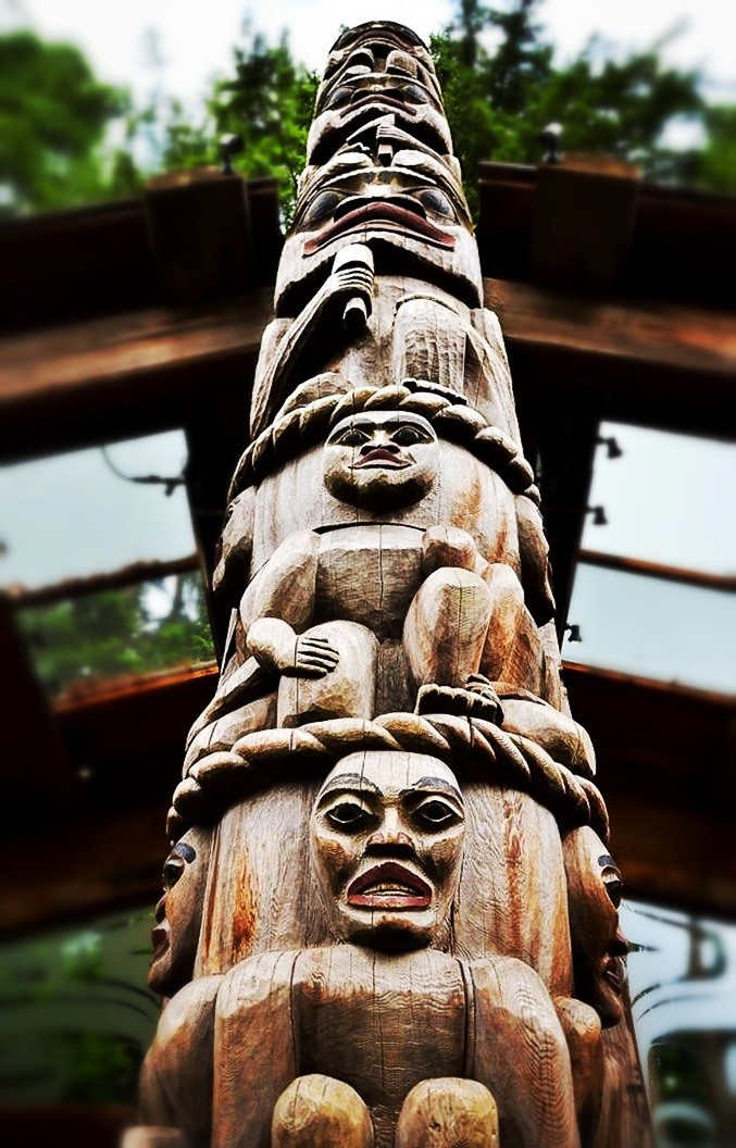 Canadian Aboriginal Totem