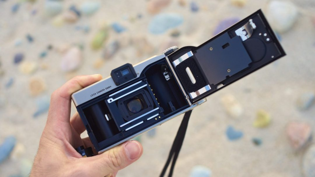Leica Minilux 35mm Point and Shoot Camera Review 6