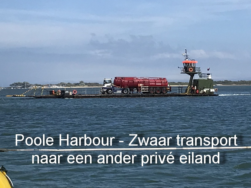 Poole harbour - Zwaar transport naar een ander privé eiland