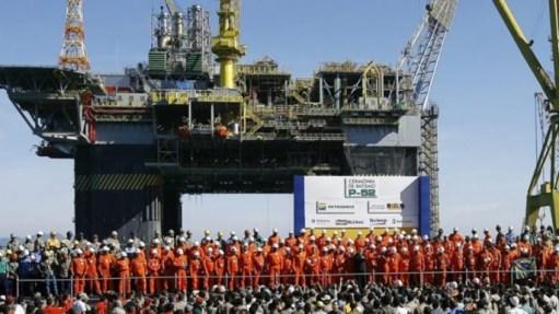 Resultado de imagem para Petroleiros decidem entrar em greve na próxima quarta-feira