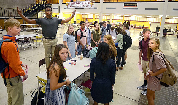 HHS Students First Day
