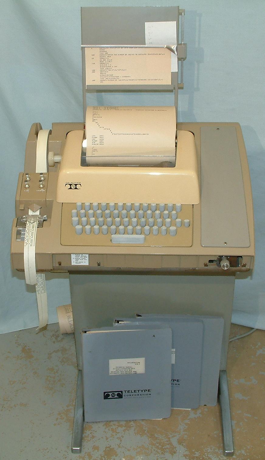 ASR-33 Teletype.
