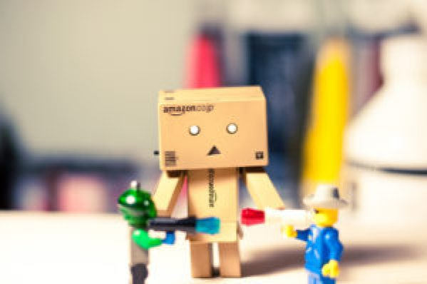 danbo appears to be moderating an argument between two lego characters
