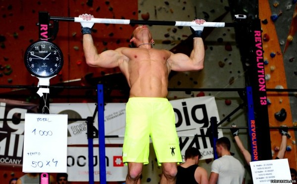 Strongman is new world record holder for most pull ups