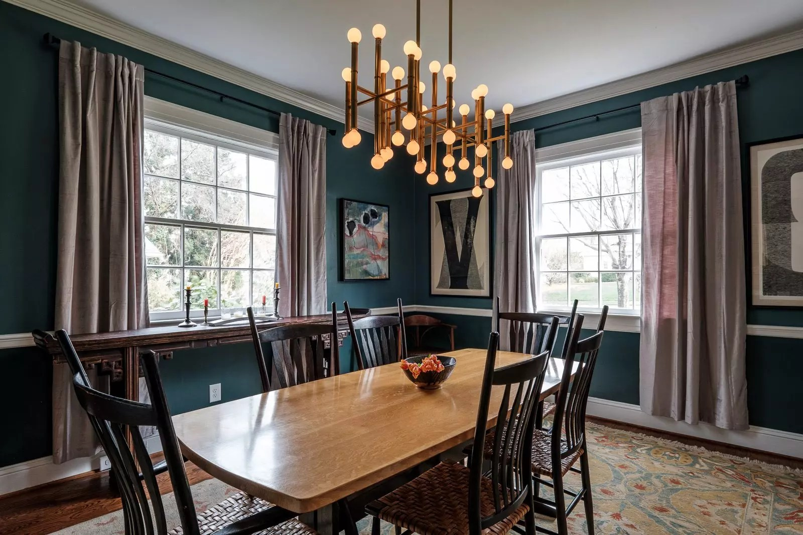 How to selection amazing paint colors for you space.