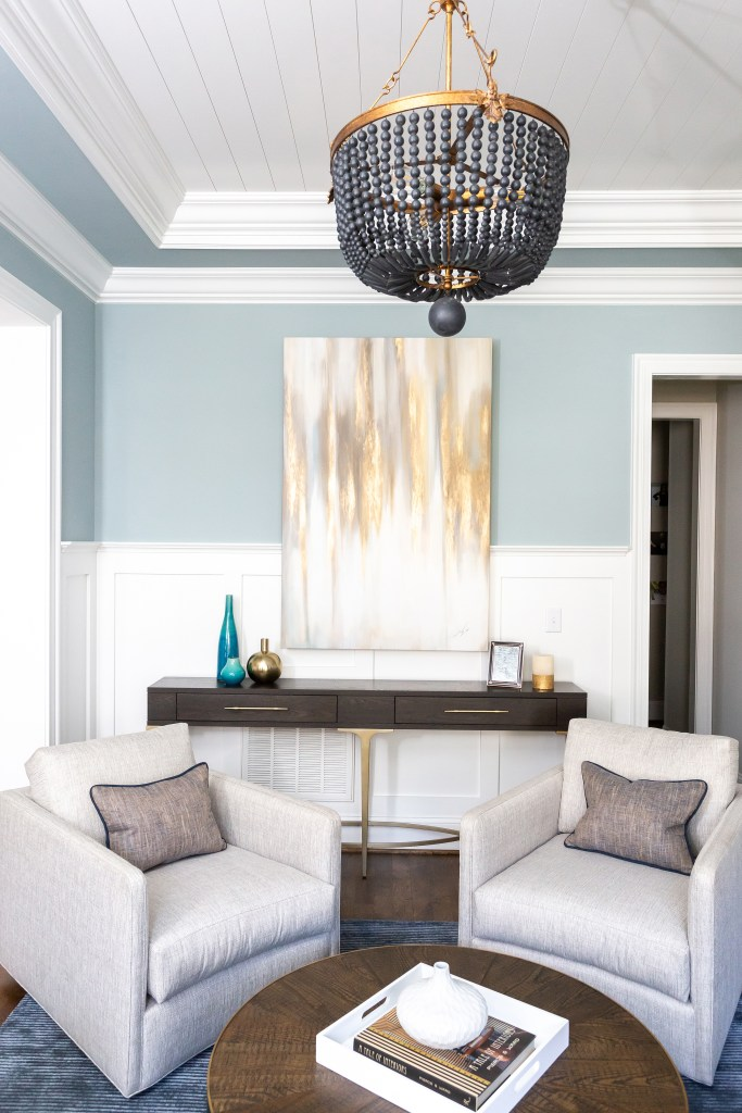 Parlor swivels in living room - Cat French Design