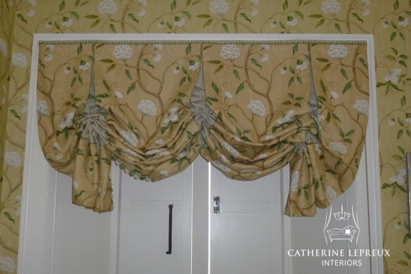 London blind in Colefax and Fowler Snow Tree gold