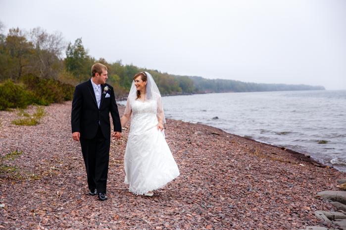 Lake Superior North Shore Wedding_Wisconsin Wedding Photographer-12