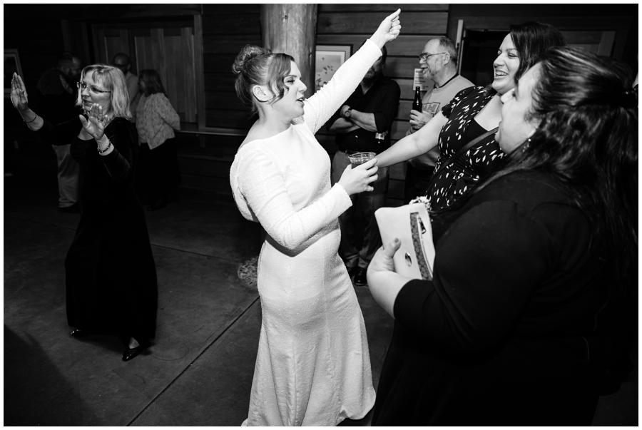 Wedding Photographers in Milwaukee WI_0956.jpg