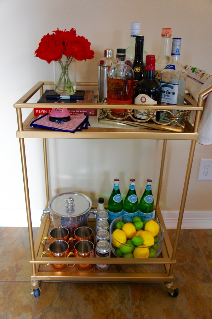 Gold Bart Cart Decor - Bar Cart Styling - #BarCart #BarCartDecor