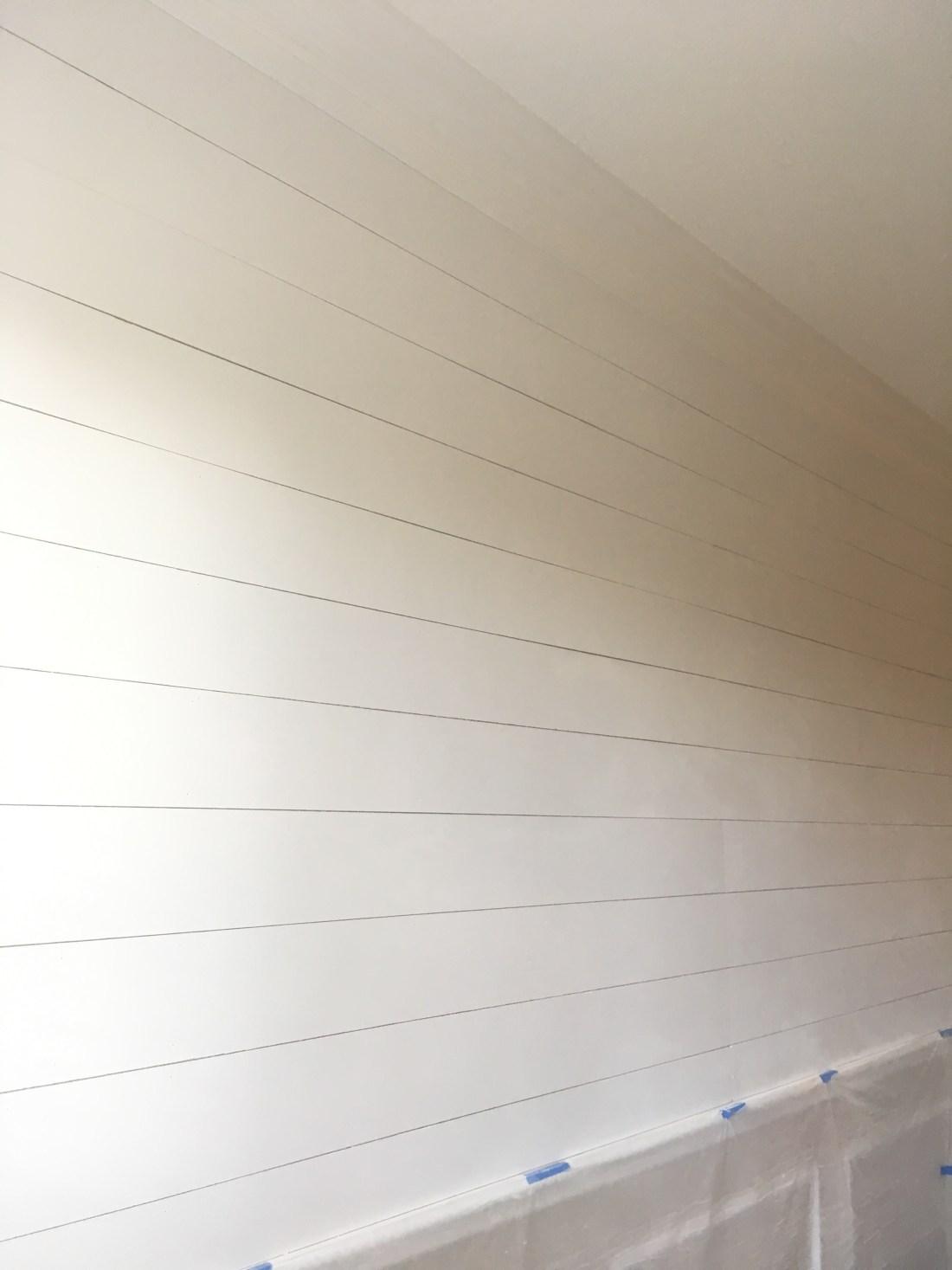 DIY Shiplap Wall - #Shiplap #DIY #Projects #HomeProjects