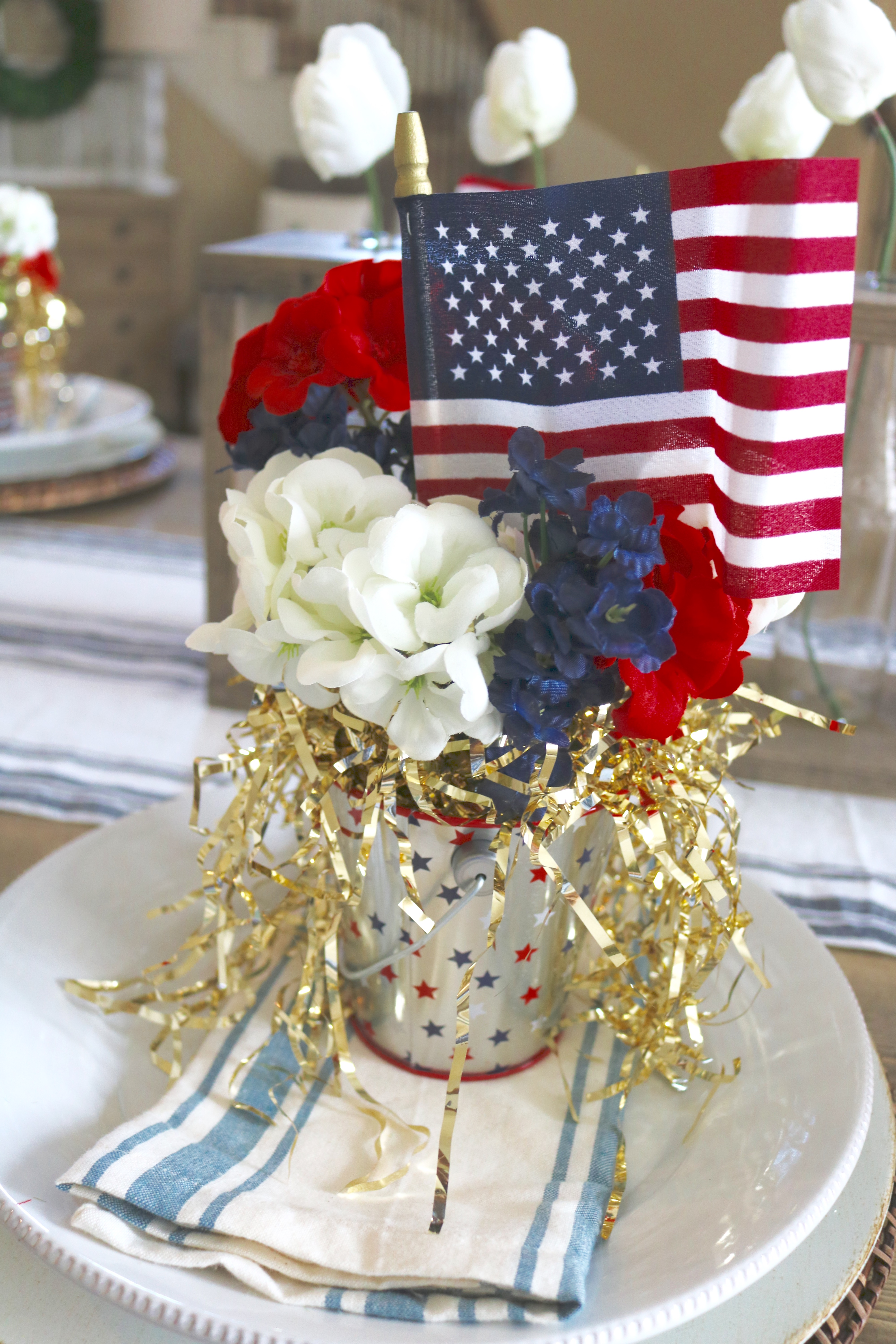 Fourth of July Tablescape - #Tablscape #4thofjuly #homedecor