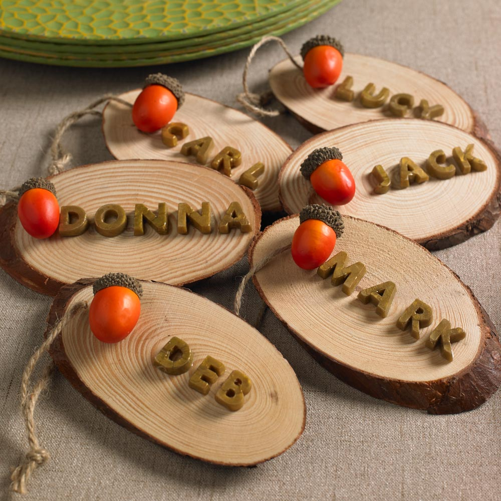 Rustic Name Placecard Holders For Fall And Thanksgiving