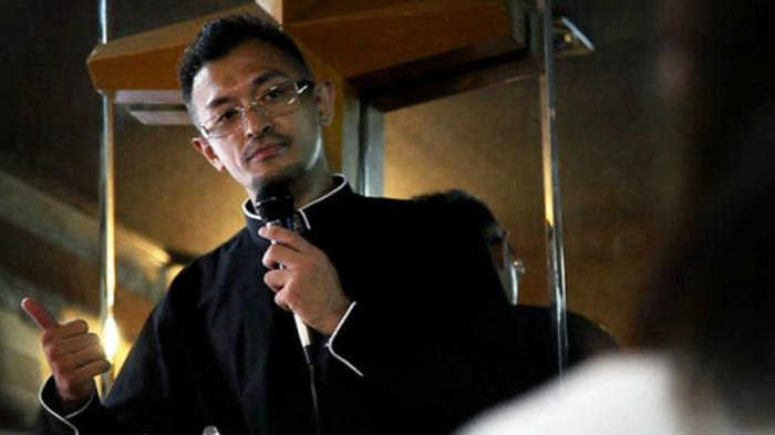 Pastor Shindo is now a man of the cloth who reaches out to ex-gangsters in a prefecture on the outskirts of Tokyo.