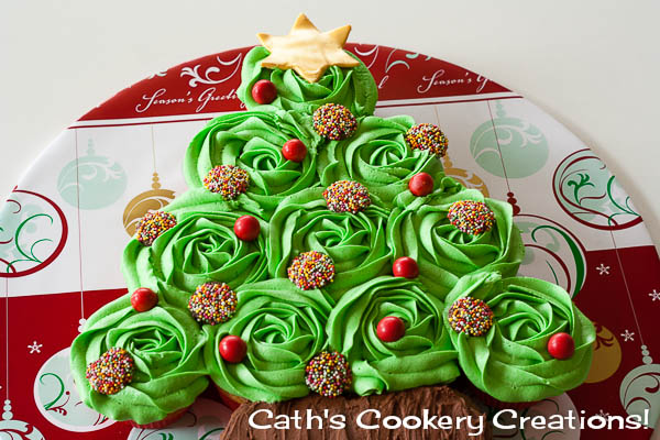 Christmas Tree Cupcake Cake from Cath's Cookery Creations! | www.cathscookerycreations.com