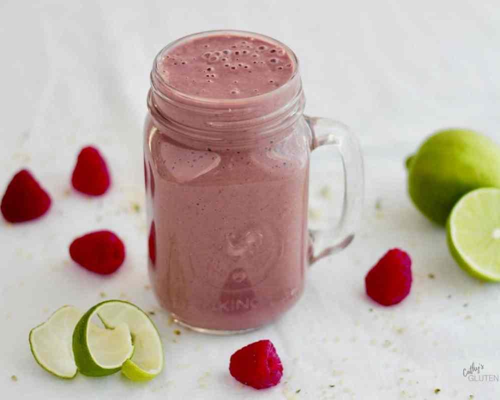 Cherry Berry Smoothie, Limes, Raspberries