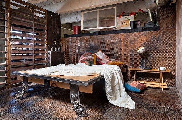 3 Cara Mengecat Furniture Kayu untuk Tampilan Industrial