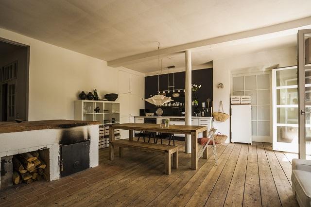 Kelebihan dan Kekurangan kayu Solid Sebagai Lantai