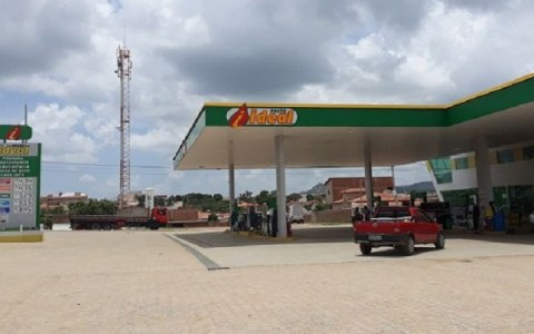 dois elementos assaltam posto de combustivel na cidade de catole do rocha