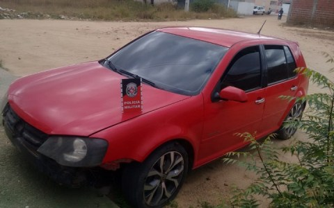 policia militar recupera carro roubado em brejo do cruz