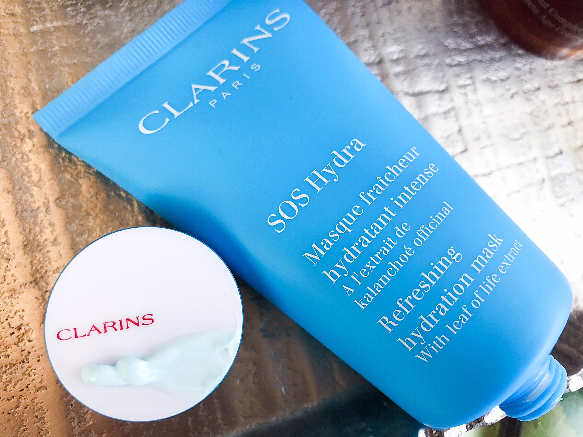 The Clarins Sos Hydra Mask Is The Kind Of Mask