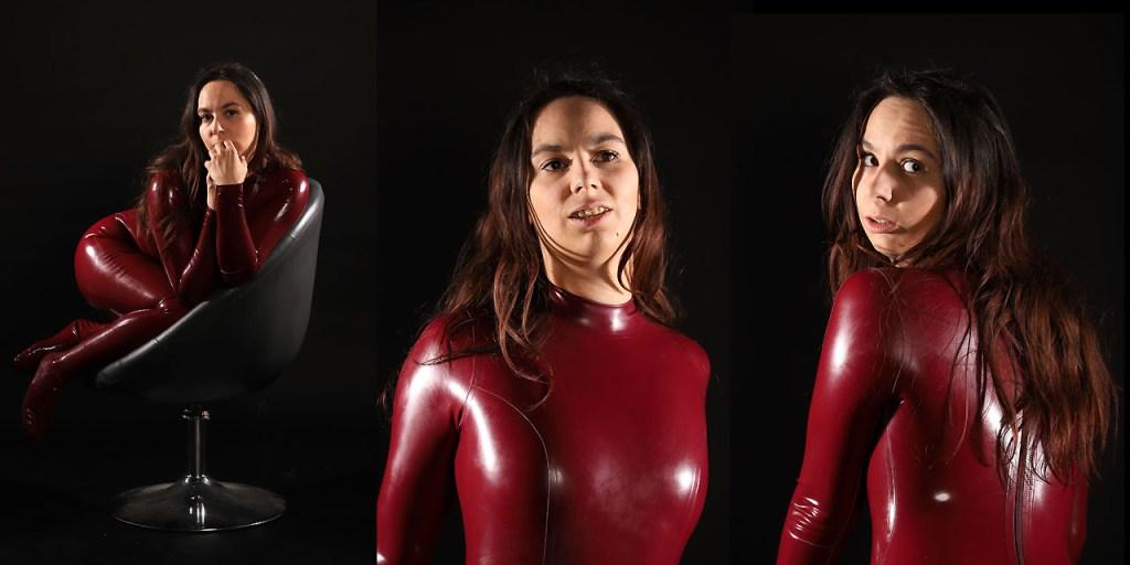 Aiyana in Rot