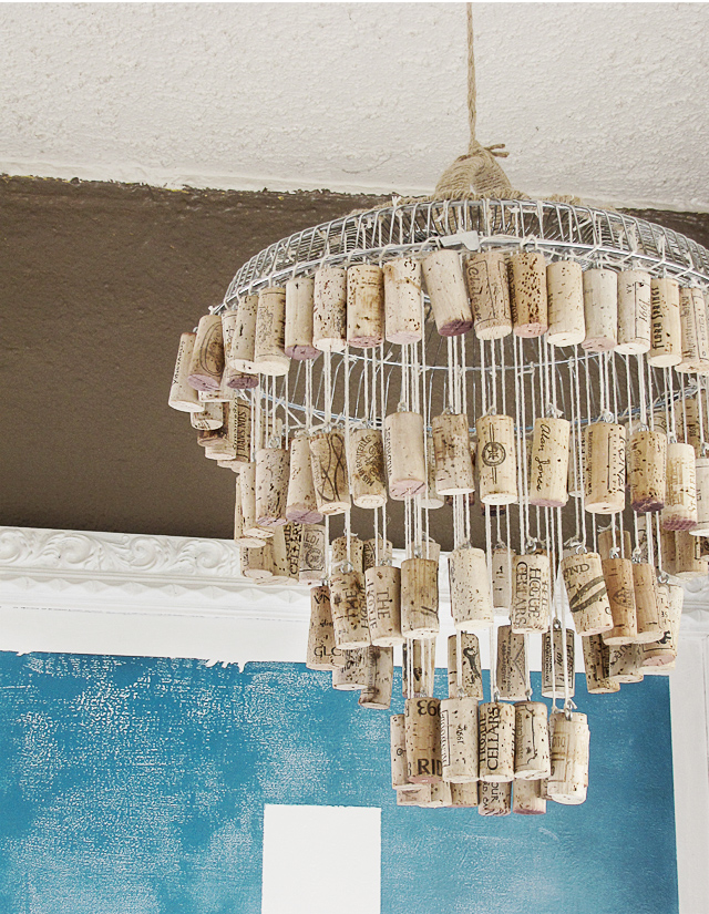10 Cork Crafts - Chandelier