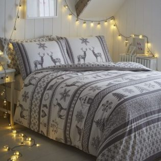 The Best Christmas Bedding