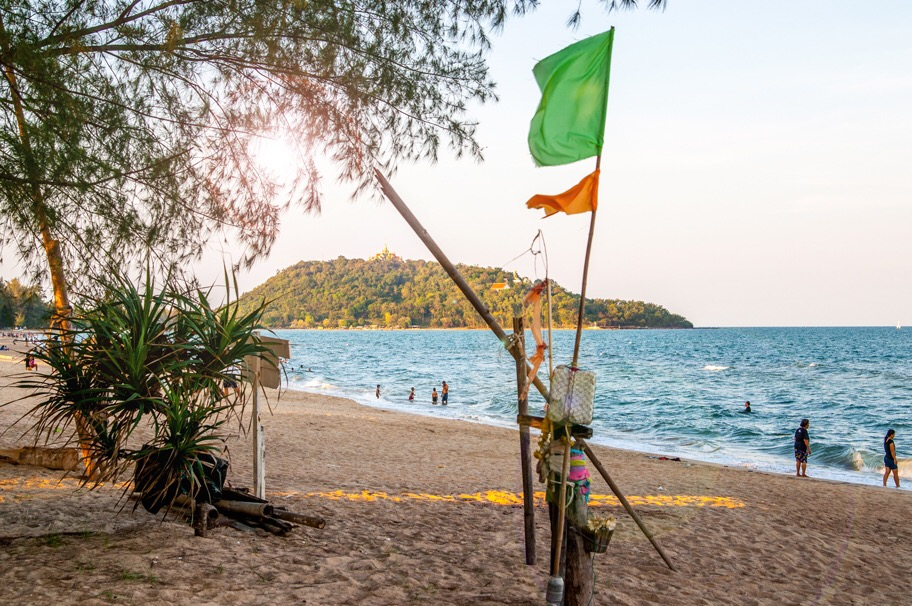 blick beach Khirikhan