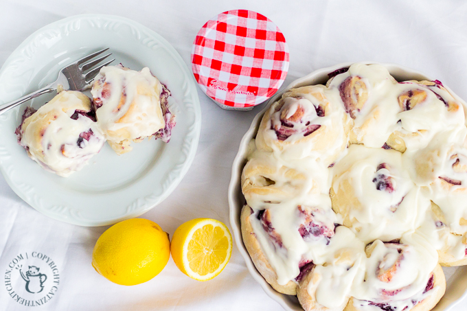Because it's Mother's Day (or any day!), treat mom to breakfast in bed with these easy, tasty homemade wild blueberry lemon sweet rolls! #SayItWithHomemade #BonneMaman