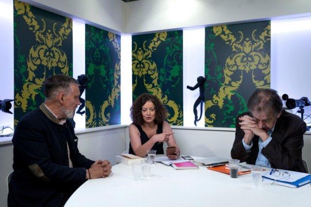 De gauche à droite, François Sureau, Elisabeth Lévy et Alain Finkielkraut, 2020. Photo: Hannah Assouline.