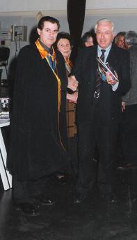 """Correva l'Anno 1998. Alla nostra prima grande iniziativa, la posa della Lapide alla """"Cà della Camera"""" (vedi capitolo inerente) l'Assessore alla Viabilità Modesto Verderio  ci fece dono della Targa per sancire la riuscita dell'opera di rivalutazione del luogo."""