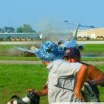 Imagens do momento do acidente com o jato Premier I de Jack Roush no AirVenture 2010