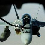 F-X2: Em visita a Dilma, McCain defende superioridade de caças F/A-18