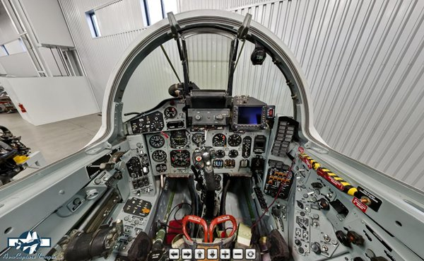 Cockpit em 360º do caça MiG-29 civil da Historic Flight Foundation