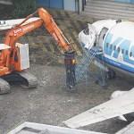 Aeronaves deterioradas começam a ser desmontadas em Congonhas