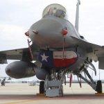 Produção do caça F-16 deve prosseguir no mínimo até 2015