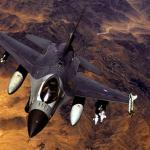 Holanda negocia venda de caças F-16 para Romênia e helicópteros Cougar para o Chile