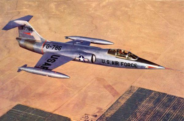 XF 104 600x395 - CAÇAS CENTURY: Lockheed F-104 Starfighter