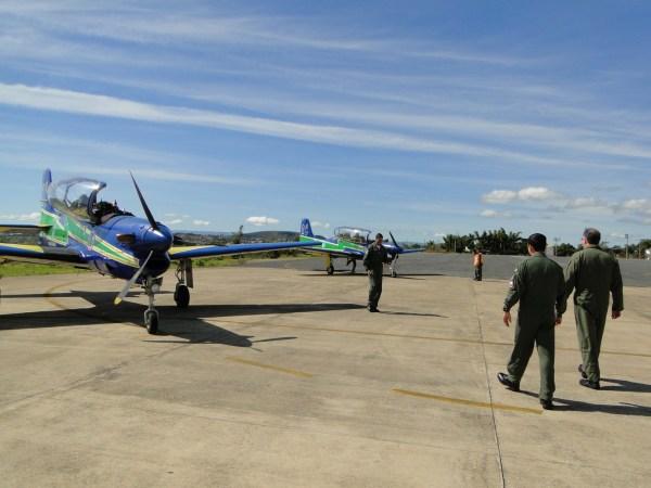 A entrega da aeronave. (Imagem: FAB/SgtºDomingos)