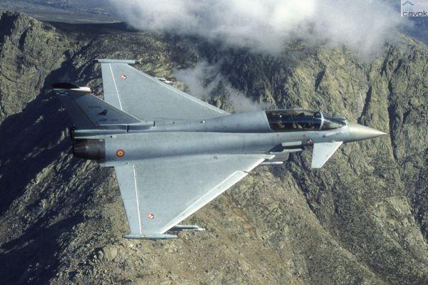 Um caça Eurofighter Typhoon da Força Aérea Espanhola. (Foto: Eurofighter)
