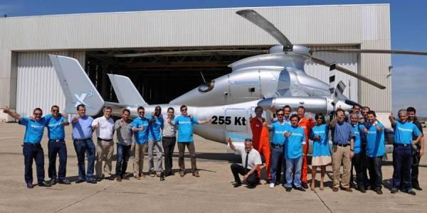 exph 0755 07r 600x300 - IMAGENS: Helicóptero híbrido X3 da Eurocopter atinge 472 km por hora