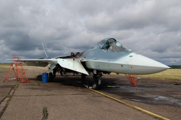Sukhoi PAK FA T-50 (incêndio em 10-06-2014) 1