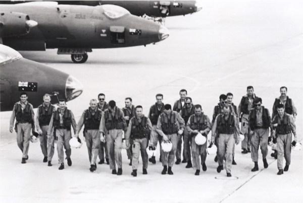 Canberra aircrews on arrival at Phan Rang, 1967