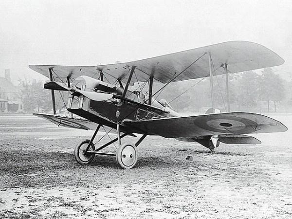 S.E.5a (1917). Foi o melhor caça inglês depois do Camel, demonstrou ser superior ao Nieuport e Spad. Sua produção em série começou em janeiro de 1917 e terminou com o total de 5.205 exemplares.