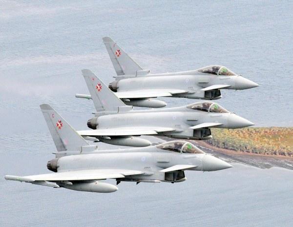 Aeronaves operacionais: ZJ944 (F), ZJ949 (H) e ZJ950 (C) / Aeronave reserva: ZK301 (D)