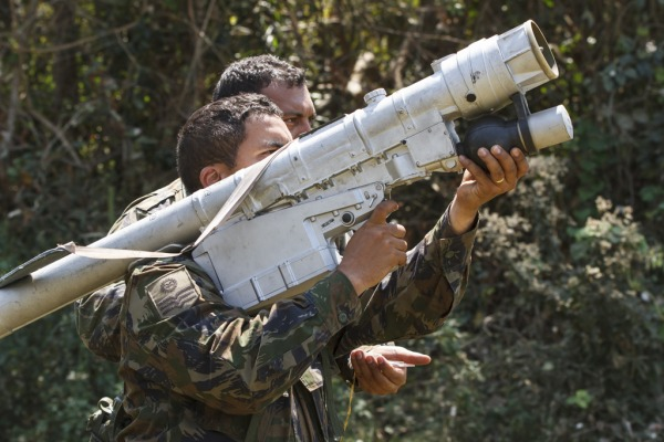 O Segundo Grupo de Defesa Antiaérea participa do Exercício Operacional CSAR 2014 como força oponente inimiga. Os militares permanecem escondidos na mata e treinam como se estivessem em um conflito real.