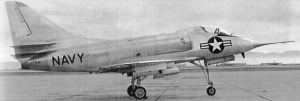 Em 1955 um acidente vitimou o piloto. Ao longo da carreira, vários aviadores perderam a vida.