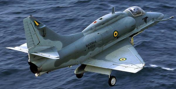 A-4KU Skyhawk 160186 que foi transferido para a Marinha do Brasil.