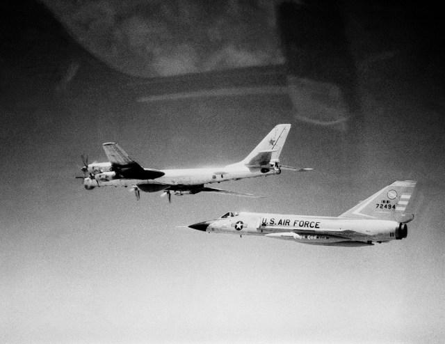 775368494899378501 - GUERRA FRIA: A tecnologia que o F-14 Tomcat herdou